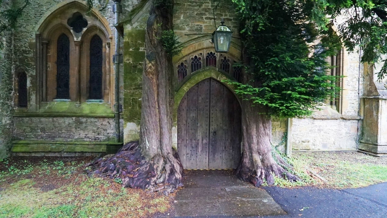 stow on the wold church door