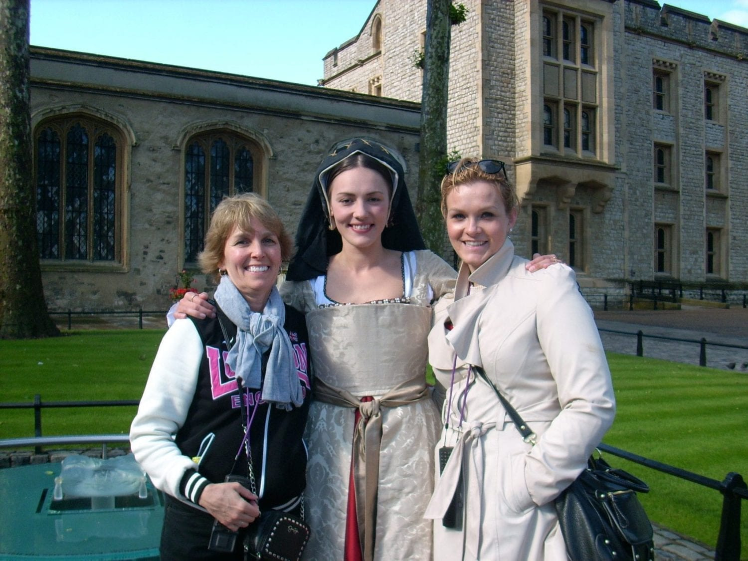 travel outfits for europe tower of london anne boleyn
